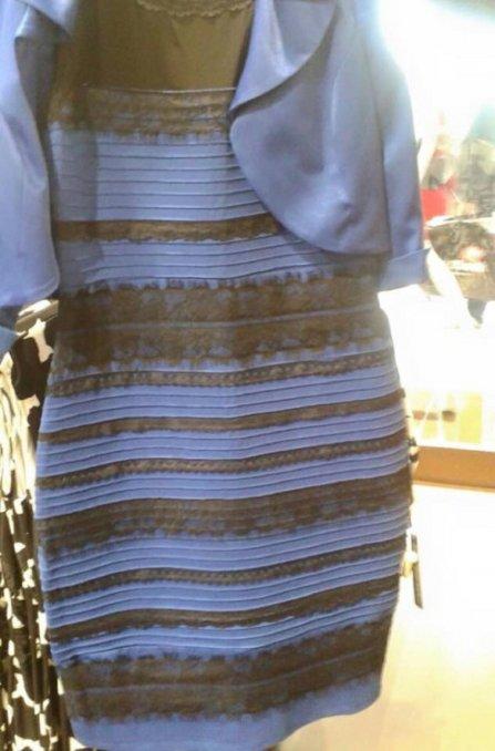 A un año de la polémica del vestido, nadie sabe de qué color es esta campera
