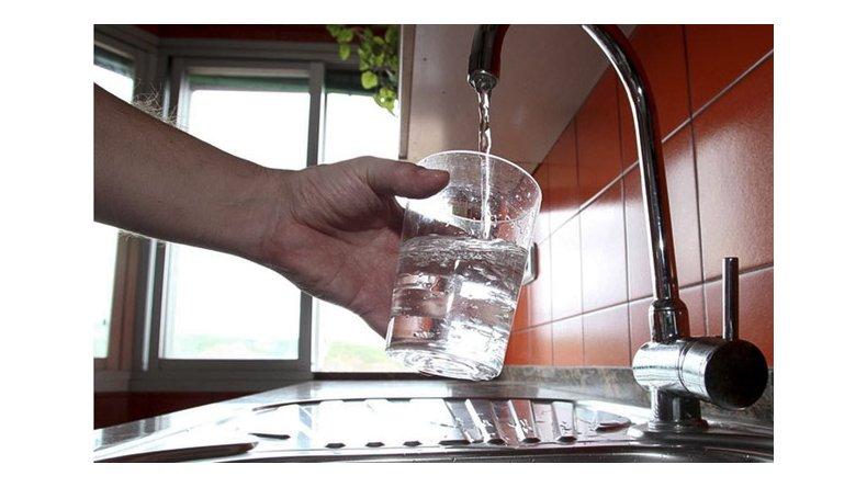 Cortan el agua por 36 horas para la instalación  de bombas en la nueva toma del lago Musters