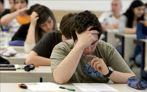 No contestó las preguntas del examen, pero emocionó al profesor con una fábula