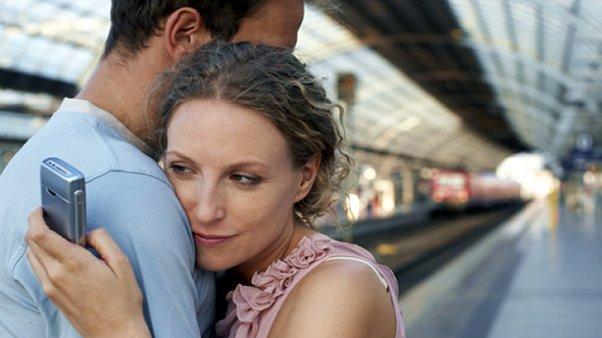 Siete de cada diez argentinos prefieren un amante desconocido