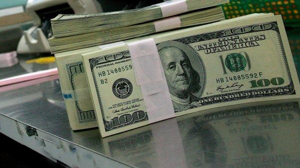 El dólar se disparó otros 30 centavos