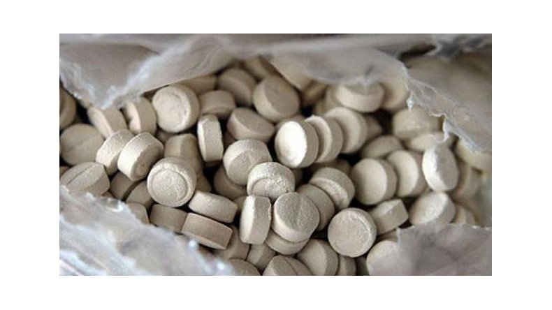 Quiso ingresar al país con 7 mil pastillas de éxtasis y lo detuvieron en Ezeiza