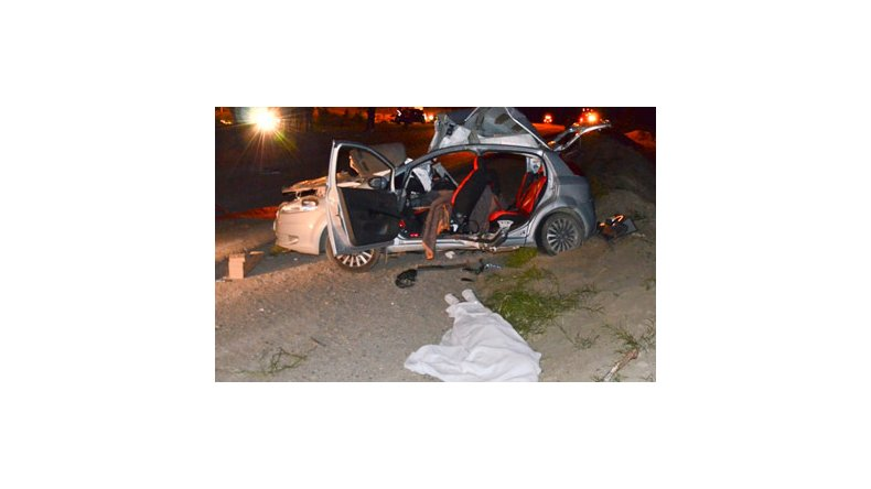 Matrimonio Accidente Sinopsis : Accidente en caleta muere matrimonio que viajaba auto