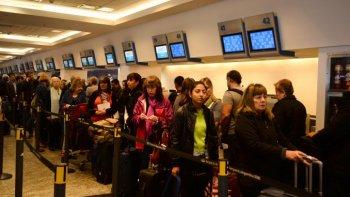 lan podra viajar desde aeroparque a brasil y a chile