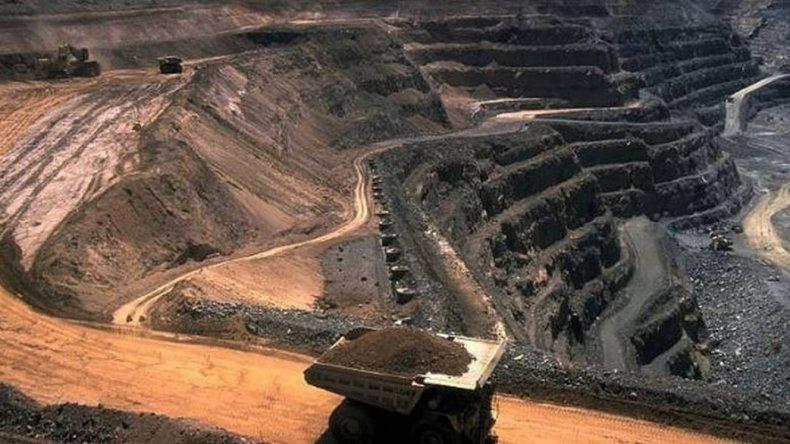 Macri anunciará la eliminación de las retenciones a las exportaciones mineras