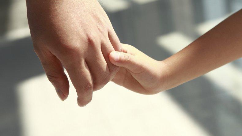 Buscan familias que estén dispuestas a recibir a niños en situación de riesgo