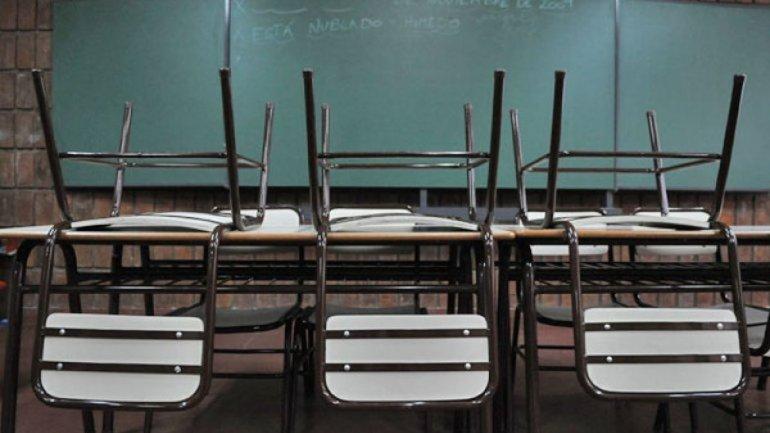 Auxiliares de la Educación definen un plan de lucha esta tarde