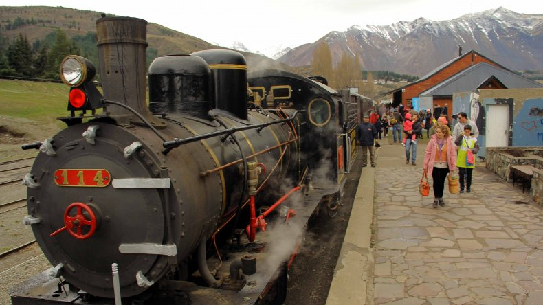 La Trochita potencia   sus servicios turísticos