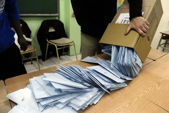 El llamado al voto en blanco no tuvo eco en las urnas y cayó a la mitad
