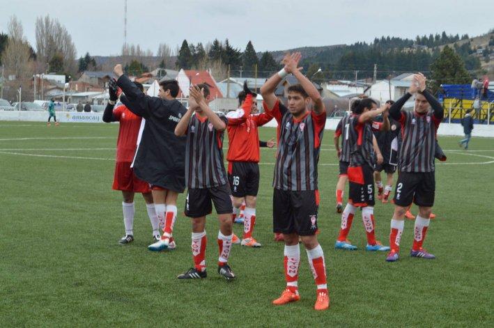 Huracán dio vuelta un resultado adverso y volvió a sonreír ante Belgrano de Esquel.