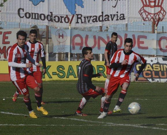 Huracán dejó todo en el César Muñoz pero terminó cerrando un empate.
