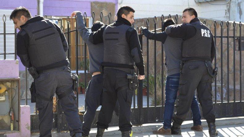 Enfrentamiento en el San Cayetano: un herido de bala y dos detenidos