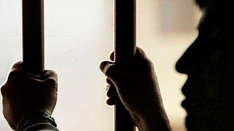 En la Seccional Cuarta se vivió un insólito episodio con una mujer que fue a denunciar un hecho y se enteró que su hijo estaba preso.