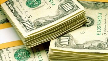 el dolar cayo tres centavos