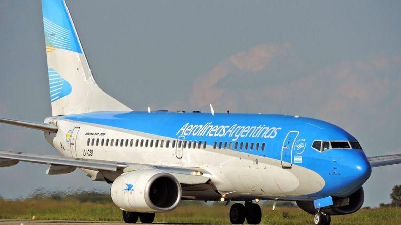 Un vuelo de Aerolíneas aterrizó de emergencia por una amenaza de bomba