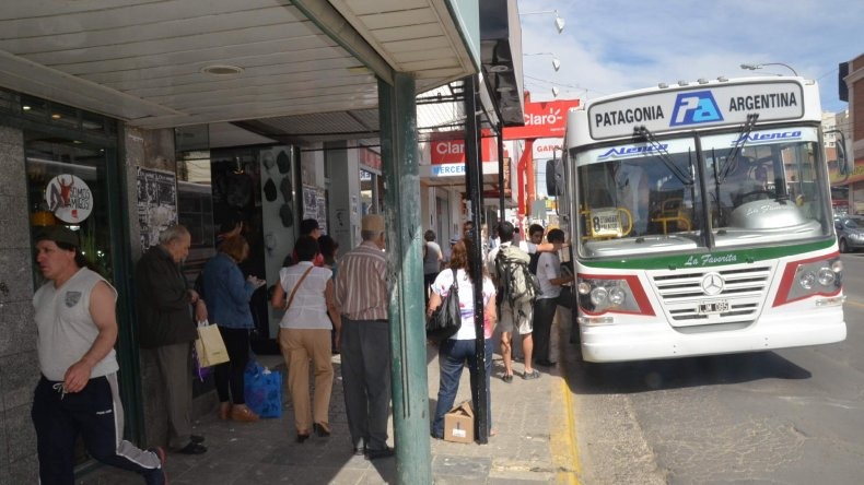 Patagonia admite problemas financieros y UTA se mantiene en alerta
