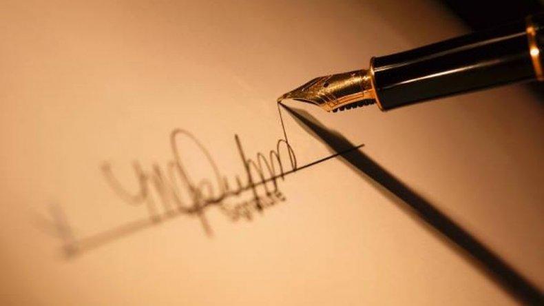 Sólo un secretario académico quedó involucrado en la falsificación de firmas