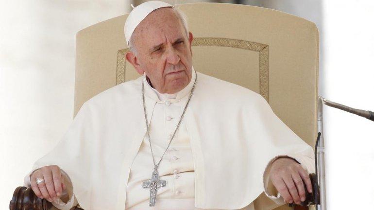 El Papa suspendió audiencias por un cuadro de fiebre