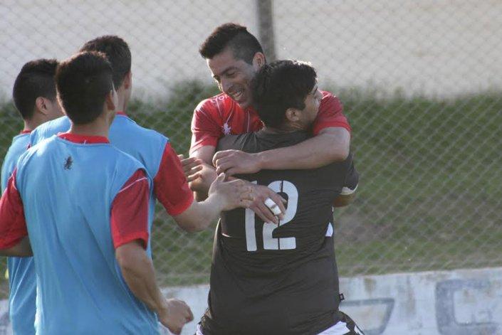 Los abrazos son para Diego Galván