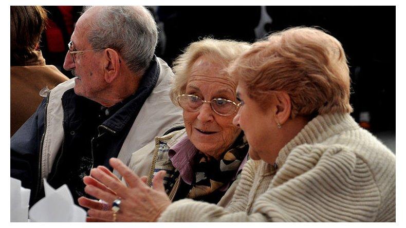 Desde junio la jubilación mínima en Chubut será de 7.600 pesos