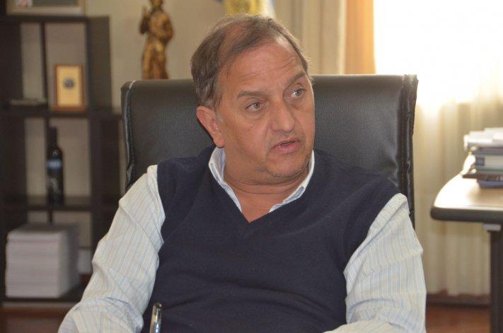 Carlos Linares trazó los planes que tiene diseñado en materia de salud en caso de llegar a la intendencia.