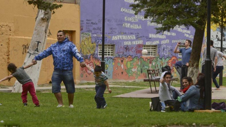 Comodoro tuvo su feriado de ojotas y aire libre. Foto: Mario Molaroni/ El Patagónico.