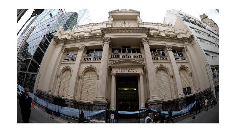El Central estimula a bancos para que den créditos hipotecarios
