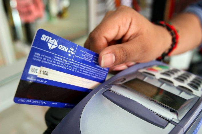 Gobierno puso fin a la devolución de 5% de IVA para compras de débito