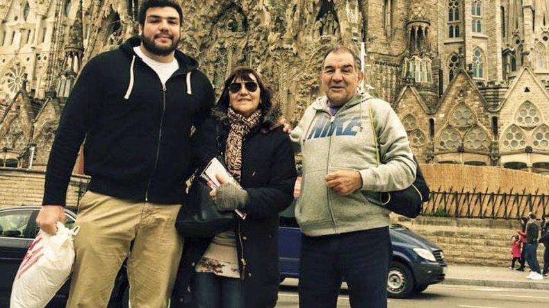 <div>Ramiro Herrera y sus padres durante varios partidos de Los Pumas en la Copa del Mundo. </div>