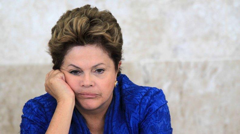 La mayoría en Brasil apoya el juicio político a Rousseff
