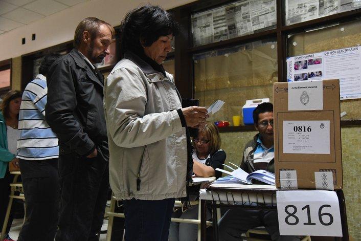 Chubut: amplia diferencia de Scioli sobre Macri
