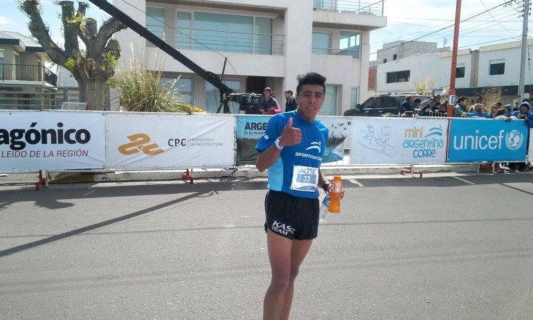 David Rodríguez consiguió por segunda vez consecutiva quedarse con los 21k de Argentina Corre.