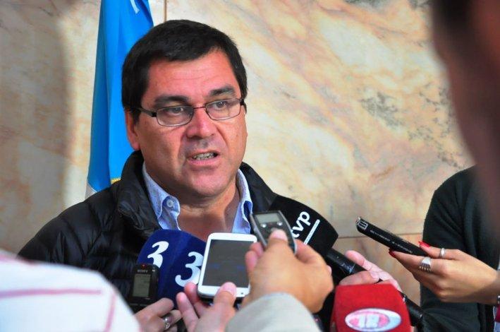 El intendente de Rio Mayo Gabriel Salazar