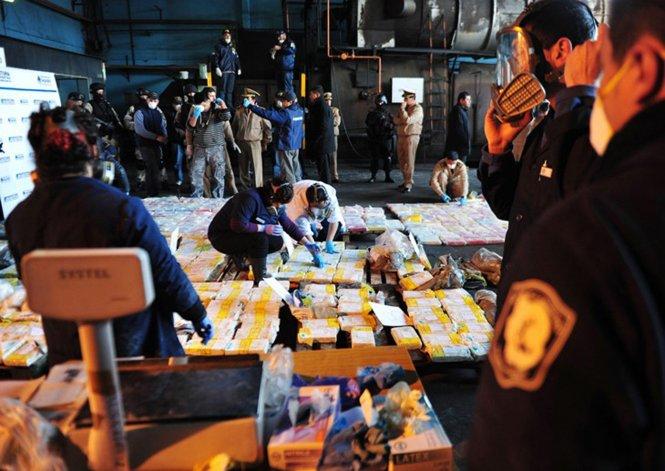 A la banda le incautaron en total más de 700 kilos de cocaína.