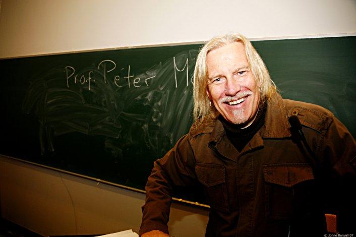 Peter Mc Laren es considerado uno de los padres de la corriente de la Pedagogía Crítica.