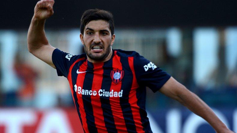 Nicolás Blandi festeja el gol que le dio más que un subcampeonato al Ciclón.