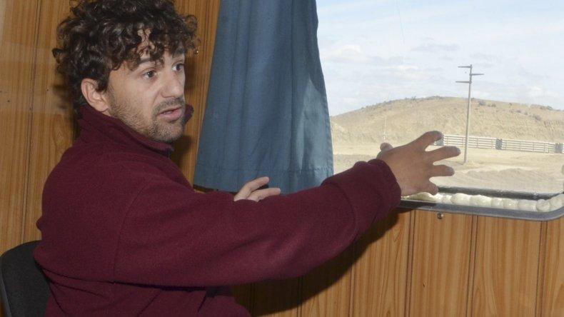 El gerente del proyecto Sebastián López Godoy brindó una detallada explicación sobre cómo será el funcionamiento de la planta de ósmosis inversa.