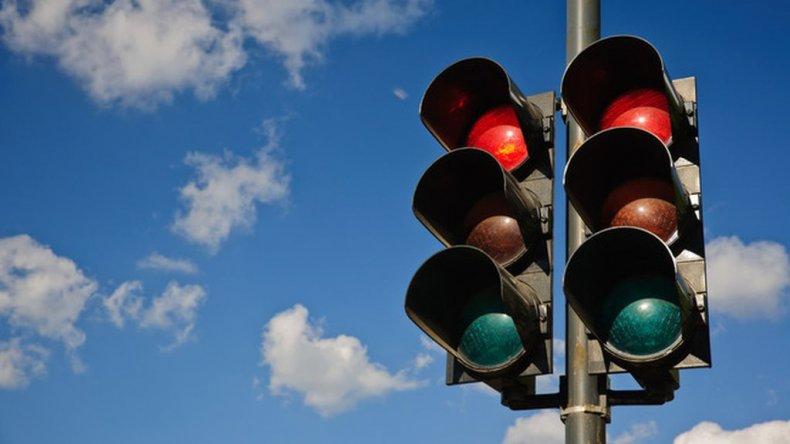 Habilitarían 24 semáforos nuevos en diciembre para ordenar el tránsito
