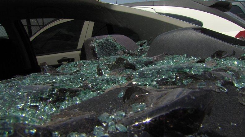 Quedó detenido por destrozar los vidrios de diez autos