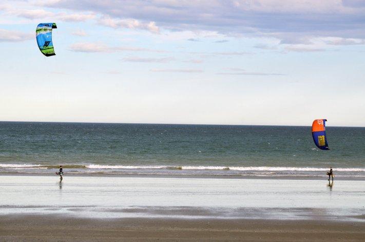 El kitesurf local se prepara para disfrutar de tres días a puro viento