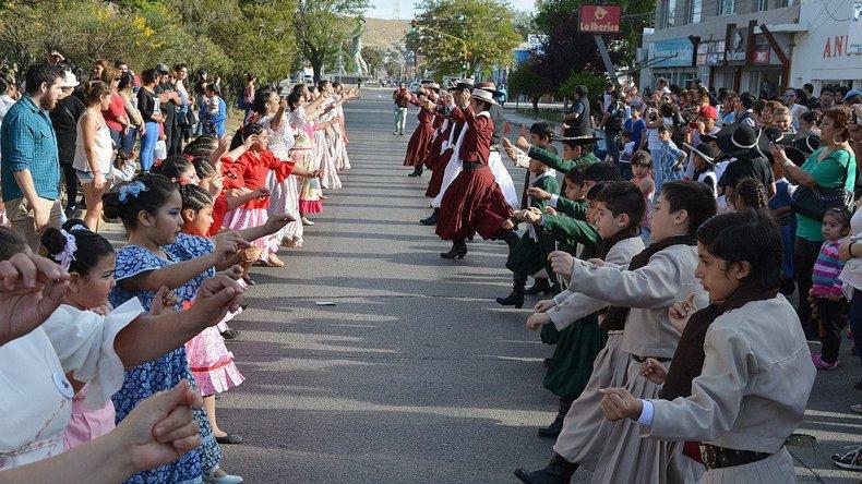 La tradición se apoderó  del centro de Caleta Olivia