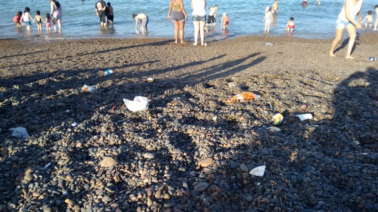 Preocupa el alto grado de contaminación en las playas de Comodoro