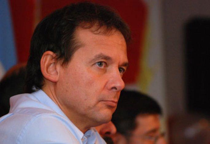 Diputados repudiaron a Eduardo Costa por  intentar impedir asunción de Alicia Kirchner