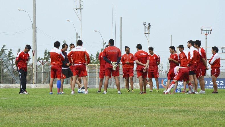 El plantel del Globo entrenó ayer a la tarde en el estadio César Muñoz