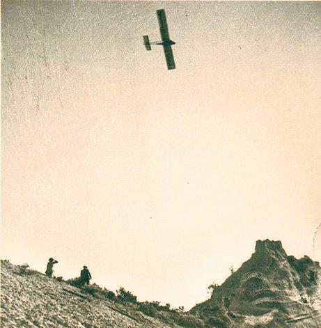 El cerro Caracola era la pista de despegue de las máquinas sin motor.