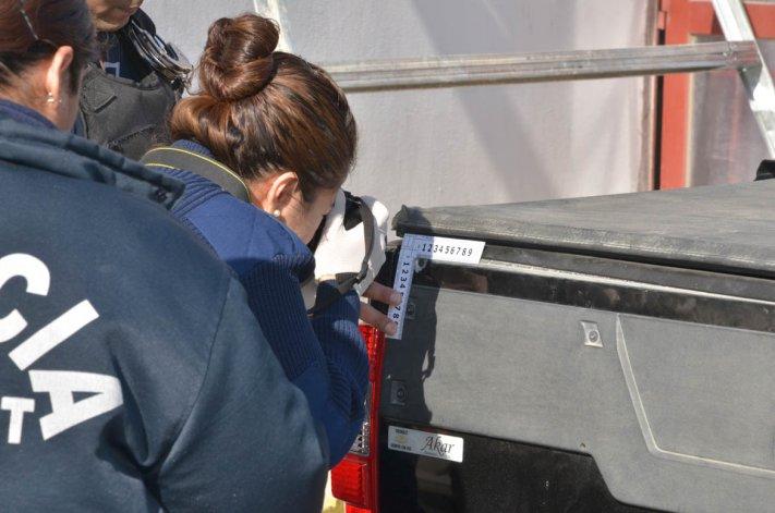 Las pericias realizadas por la policía en la camioneta que viajaban Altuna y Osorio