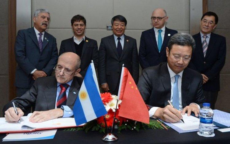 Argentina y China firmaron acuerdos para la cuarta y quinta central nuclear