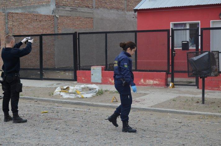 La Policía buscó evidencias en la casa de la víctima