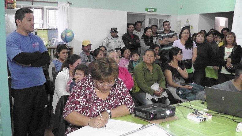 Habitantes del barrio 30 de Octubre se interiorizaron el lunes acerca del proyecto.