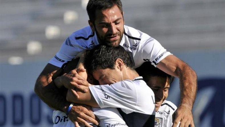 Gimnasia goleó a San Martín de San Juan en La Plata y avanzó de ronda